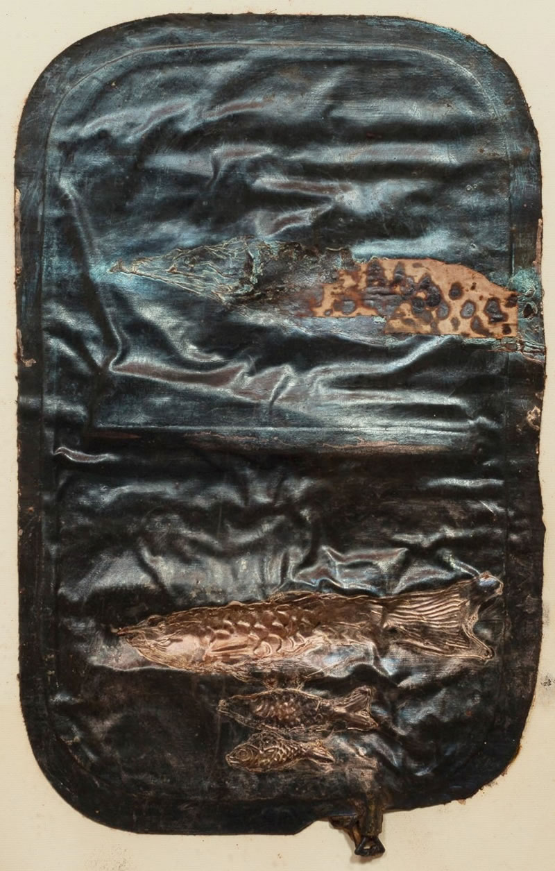 1975 Hot Water Bag with Fisch Textile, latex, mother-of-pearl pigments 75x45