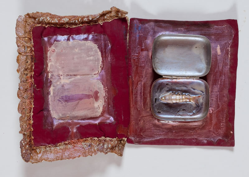 1976 Fish in Soap Bowl, Textile, latex, mother-of-pearl pigments