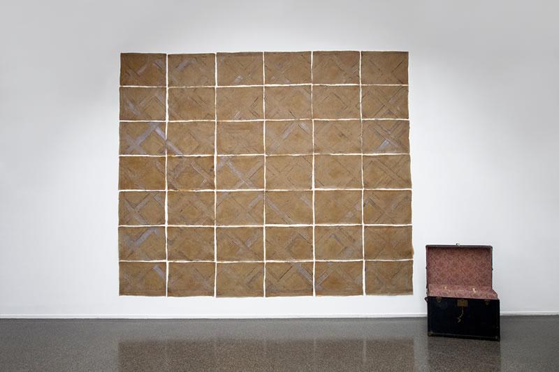 1979 Der Parkettboden des Herrenzimmer in Winterthur - Wülflingen abgegossen in 46 Teilen. ABALONE BUCHER, Exhibition view Swiss Institut 2014 Paris